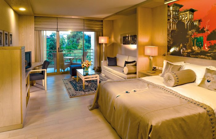 SuperiorRoom1_SerenityResort_H-com